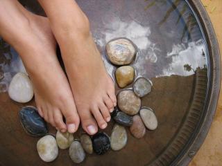 Потливость ног. Ванночки для ног против потливости
