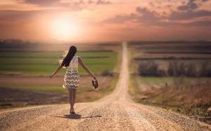 На то, чтобы научиться различать ситуации, в которых мы должны, а в которых мы ни в коем случае не должны, порою уходит вся жизнь.