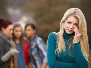 Можно ли надеяться, что вредная младшая сестра любимого станет белой и пушистой?