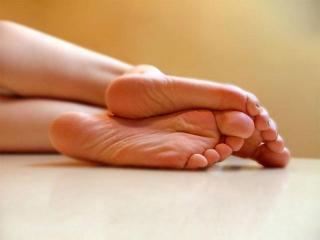 Удаление мозолей на пальцах ног