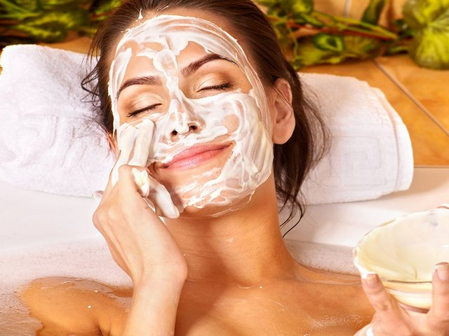 Молочные и кисломолочные маски для лица (уход за лицом)