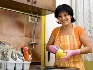 Как уберечь руки от воздействия моющих средств