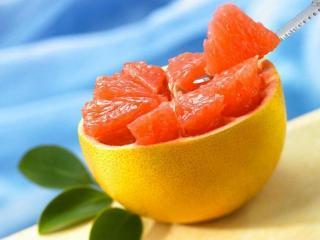 Чем полезен грейпфрут для похудения, диета на грейпфрутах, грейпфрутовый сок для разгрузочного дня - все о грейпфруте в этой статье.
