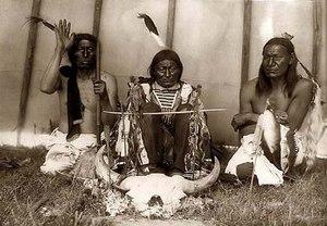В зависимости от месяца рождения апачи выделяли 12 типов, к которым относились люди.