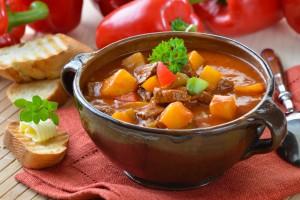 гуляш из говядины рецепт с болгарским перцем