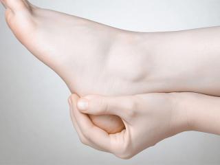 Пяточные шпоры. Фитотерапия и народные методы лечения пяточных шпор