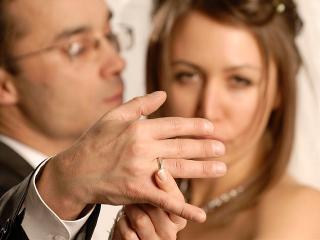 Почему не договорятся жена и любовница? (отношения в семье)