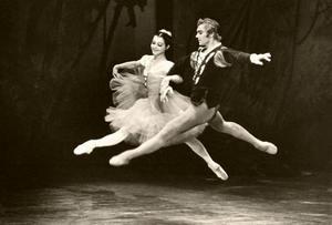 Западные журналисты окрестили миниатюрную балерину «беби Большого театра».