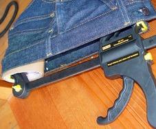 Практичные советы, как растянуть джинсы, предотвратить усадку, правильно выбрать джинсы.
