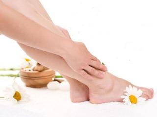 Трещины на пятках. Косметические процедуры от трещин на пятках (уход за ногами)