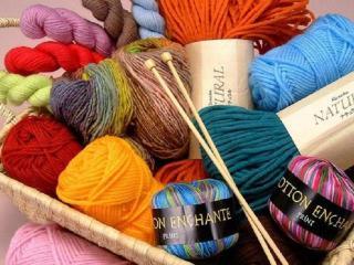 Декор вязаного платья