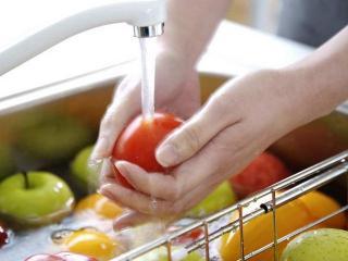 Летние пищевые отравления: правила летнего питания