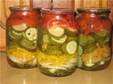 Консервированный салат ассорти на зиму: три способа приготовления