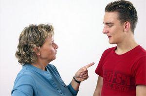 Семейные проблемы: отношения тещи и зятя
