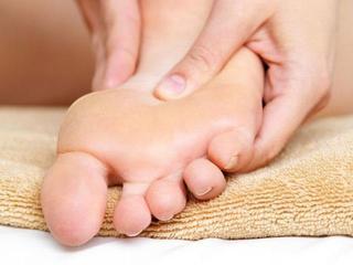 Уход за ногами: народные методы лечения мозоли и грибка стопы