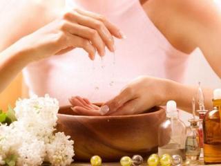 Рецепты красоты ваших рук. Ванночки для рук с использование аромамасел и ароматерапии.