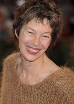 Ей за шестьдесят, но разве время властно над женщиной, если её имя – Джейн Биркин