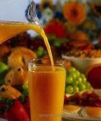 Лечение соками. Свекольный сок.  Клюквенный сок. Сок редиса