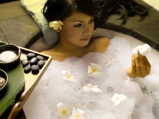 Лечебные и расслабляющие ванны в домашних условиях
