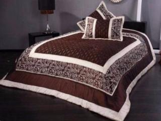 Покрывало и подушка